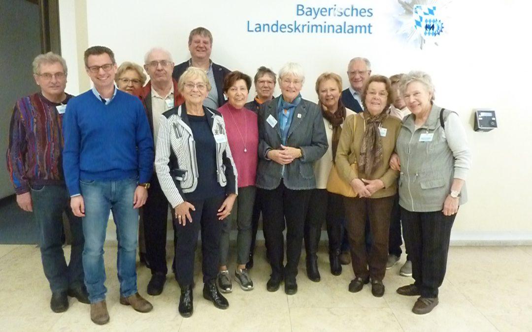 Frauen-u. Senioren-Union besuchen das Bayerische Landeskriminalamt München